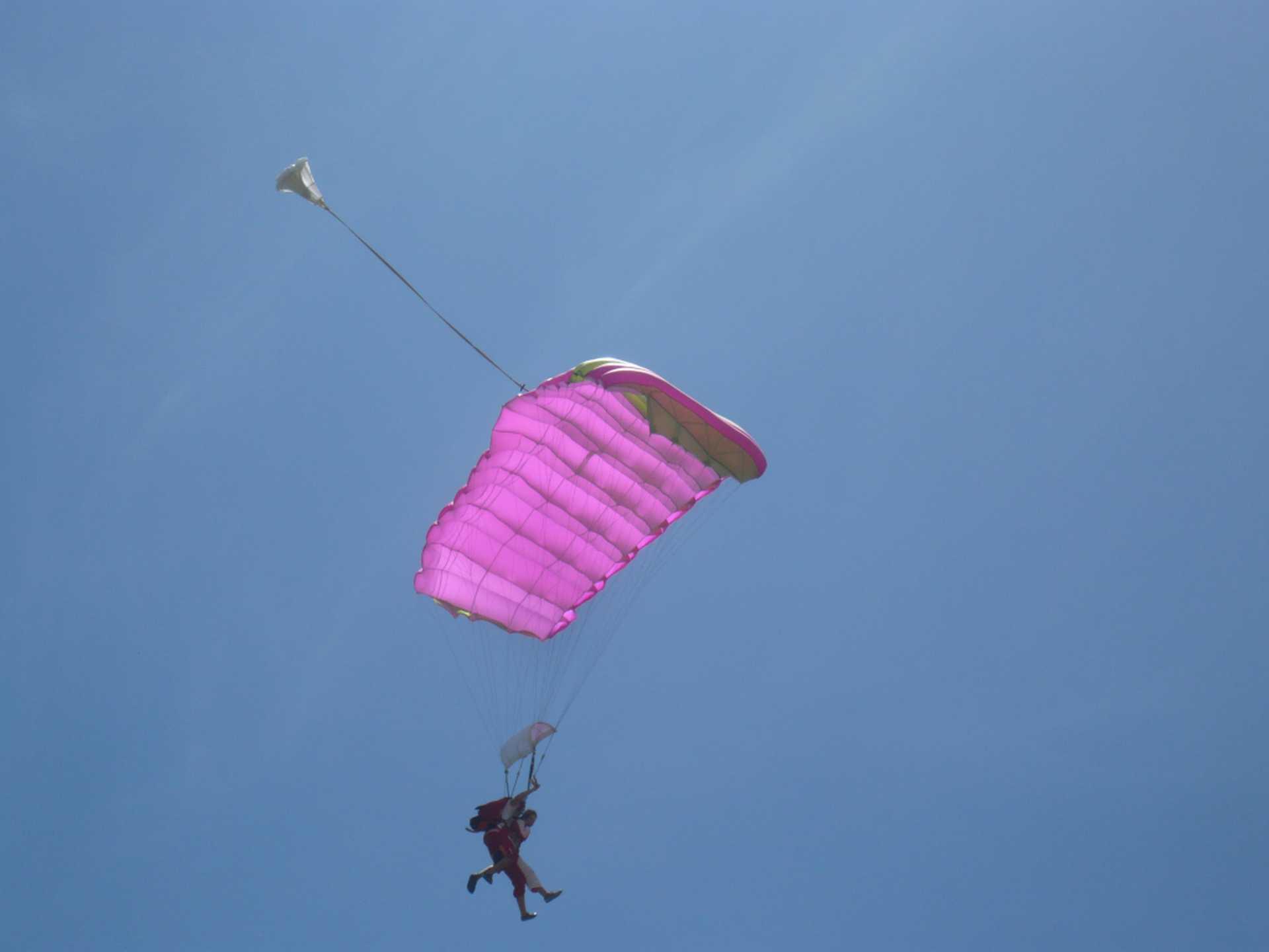 Sky-Dive-Pictures-2009-Riviere-du-Rempart-3